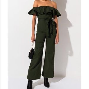 "🌲Green ""Call Me Out"" Off The Shoulder Jumpsuit"